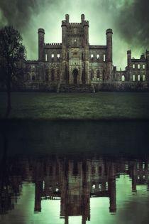 푸른 야수의 저택